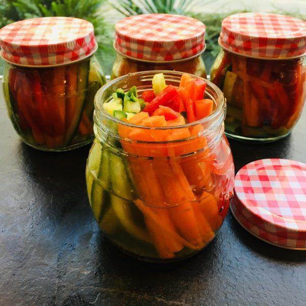 зеленчуци в чаша