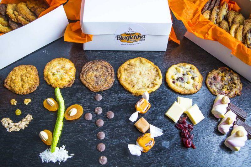 коледна кутия с бисквити
